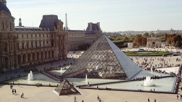 pyramid-495398_640